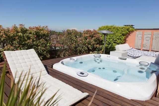 La piscina la passione dell 39 estate erif - Piscina di legnano ...