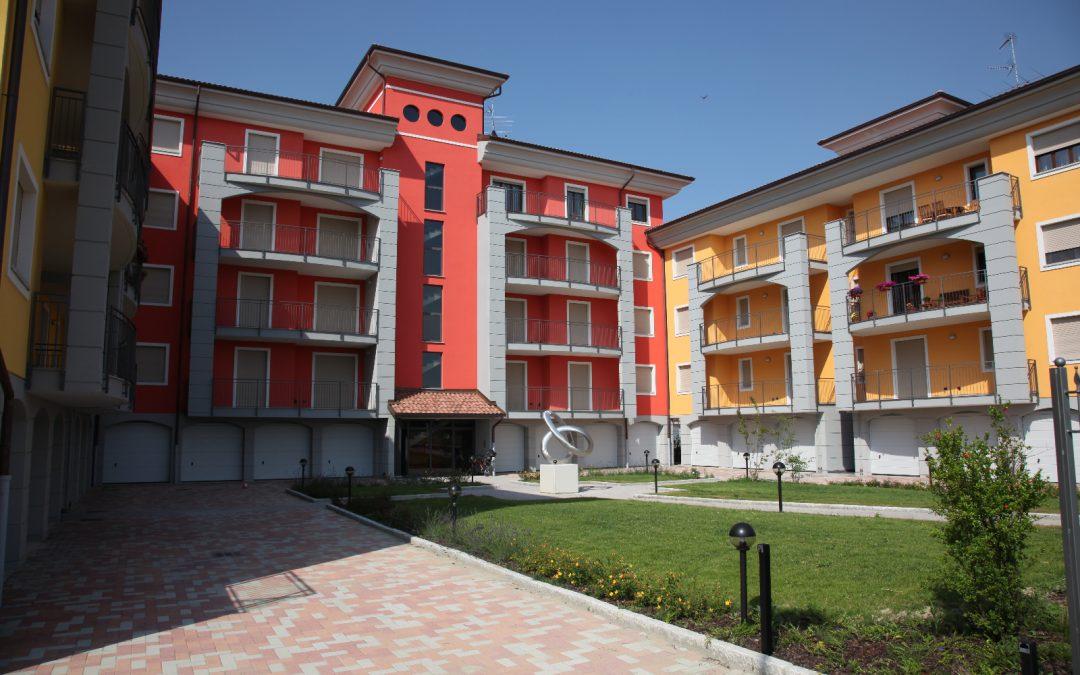 Immobili, 6 italiani su 10 si affidano agli agenti immobiliari